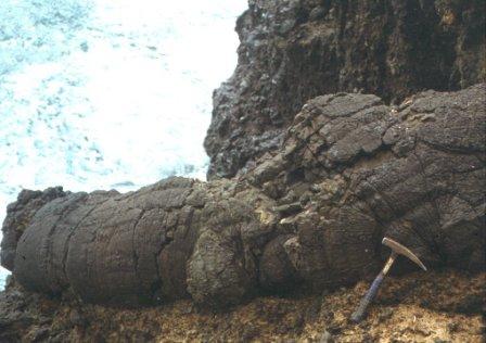 Escoada lávica submarina